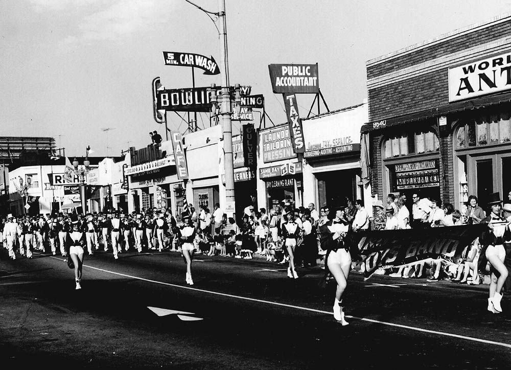 A Fiesta La Ballona parade from the 1950s