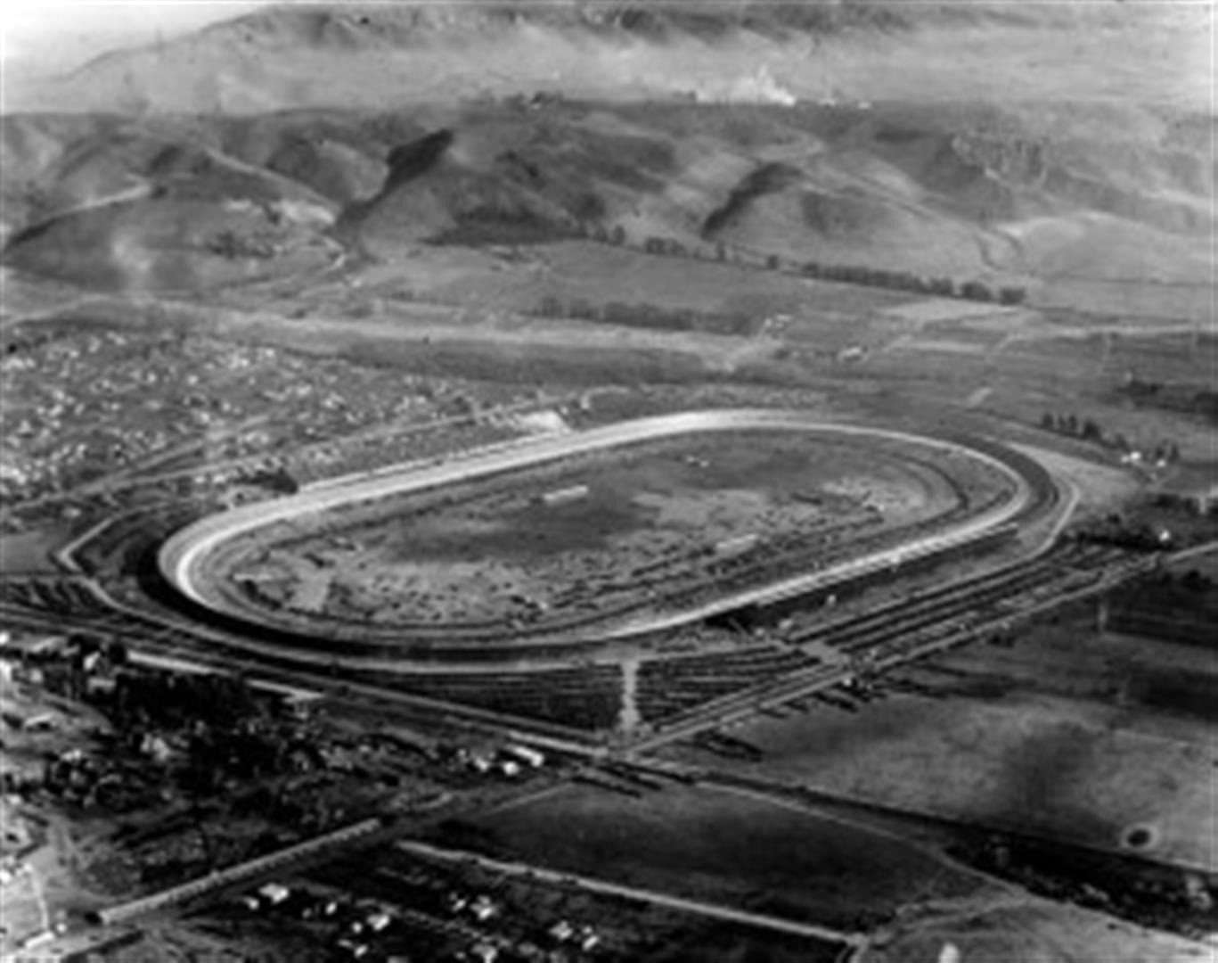 The historic culver city racing scene culver city for Motor speedway los angeles